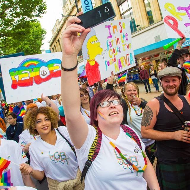 Croydon Pride 2017 - people on parade